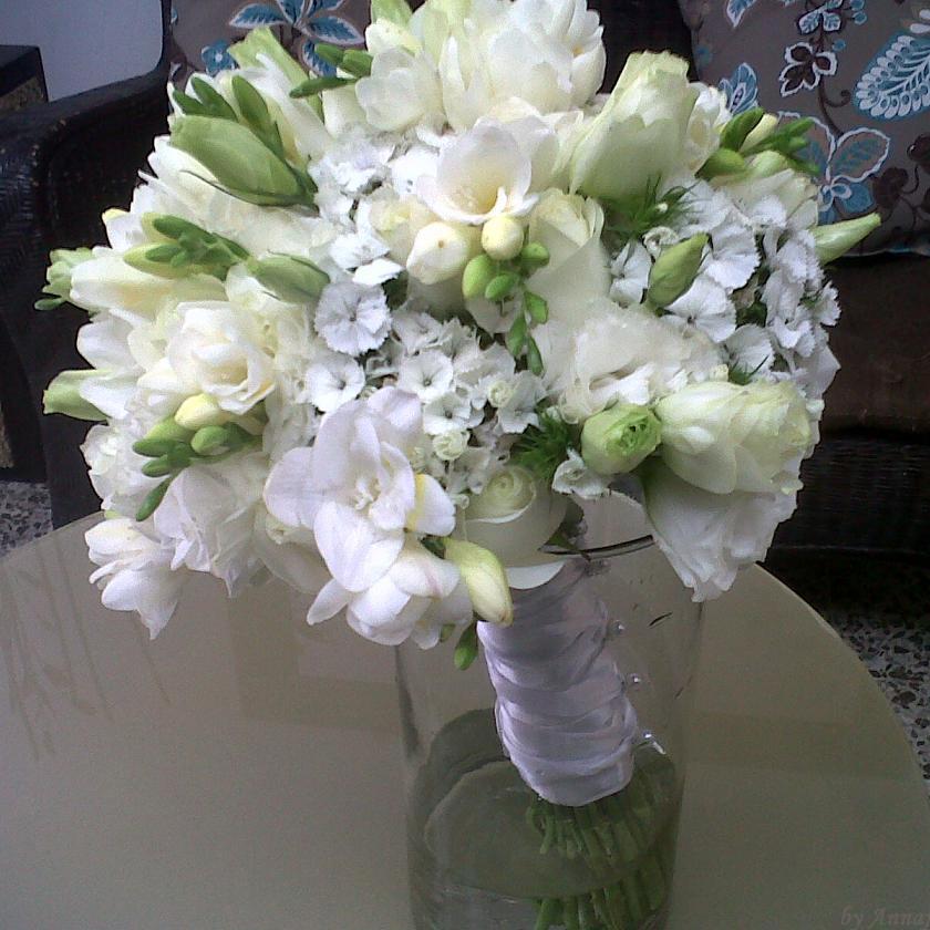 Arreglo floral ramo de novia en forma de bouquet con - Ramos de calas para novias ...