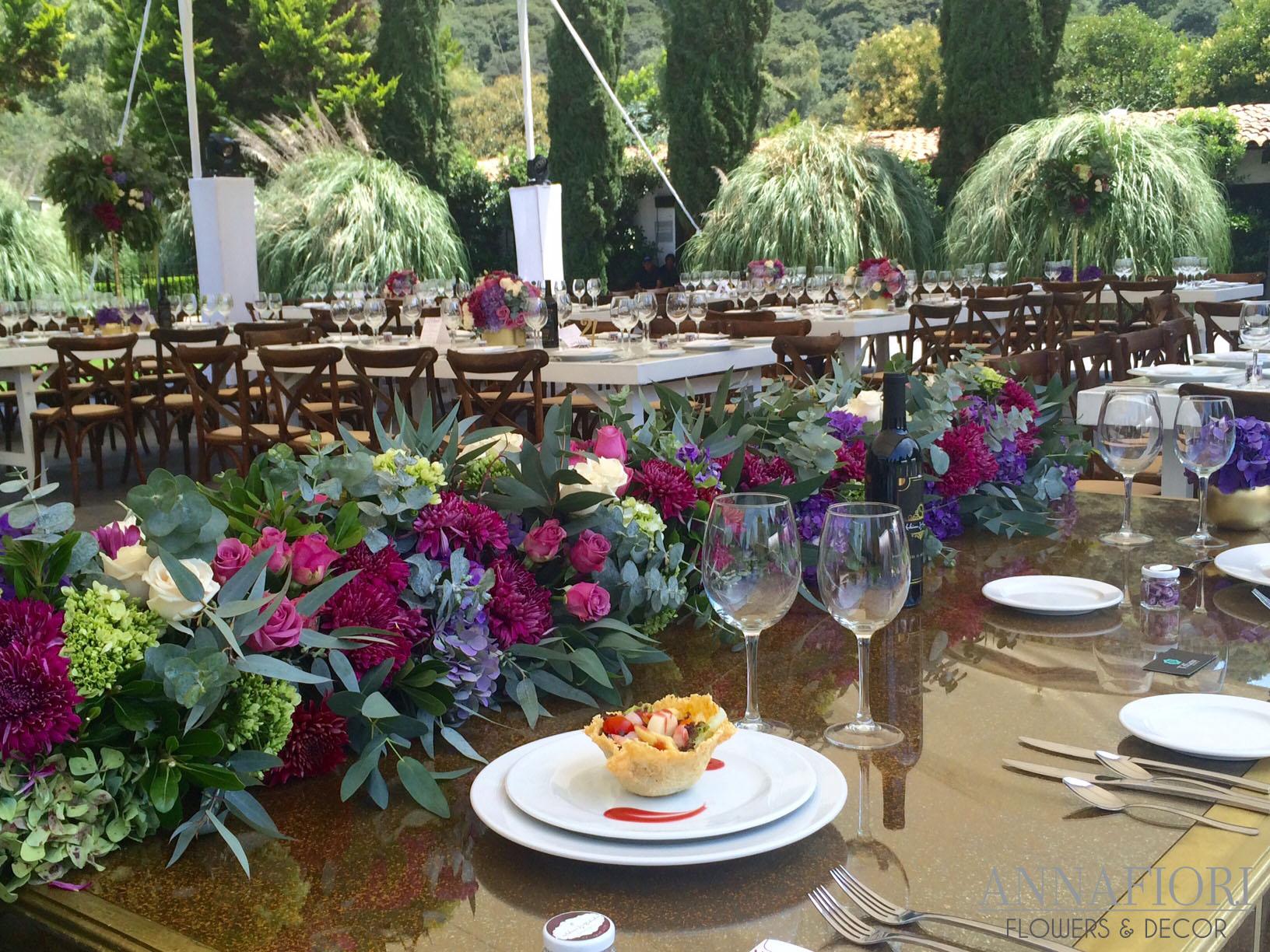 Boda En Jardíndecoración Floral Fina Y Elegante Diseño