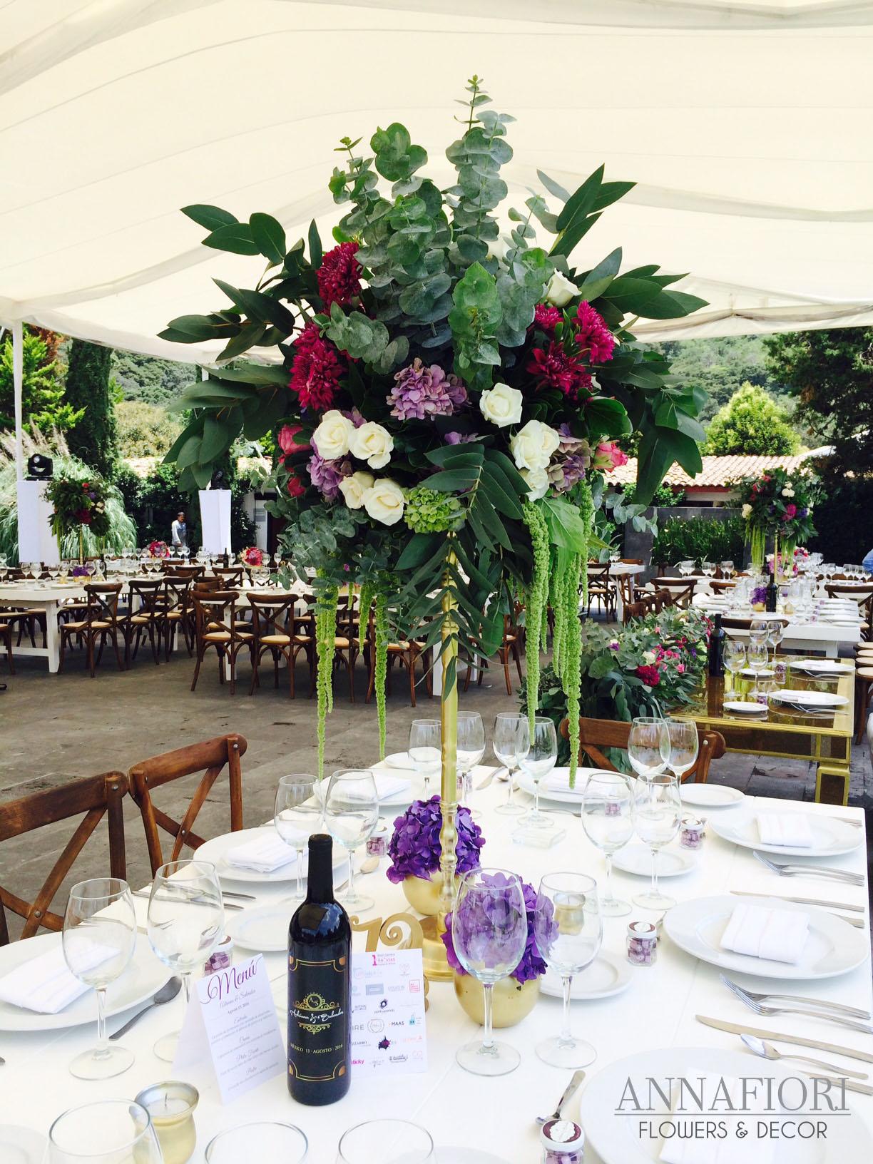 Boda en jard n decoraci n floral fina y elegante annafiori for Arreglos florales para boda en jardin